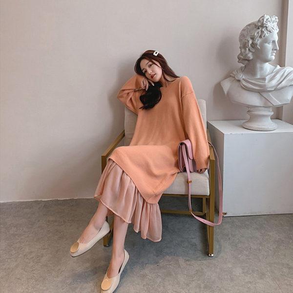 Elegant V-Neck Midi Sweater Dress with Ruffles