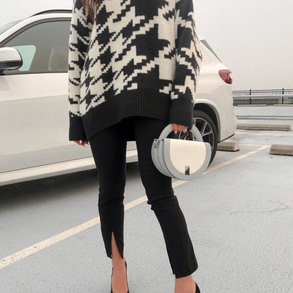 Houndstooth Print Knitted Sweater 1